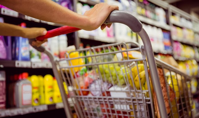 Cover the Cost of Essential Groceries for Vulnerable Women and Children